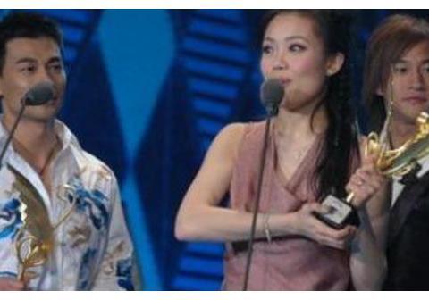 15年前刘德华缺席颁奖典礼,赵文卓尴尬喊话:有没有人代领下