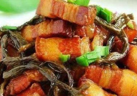 美味家常菜:干豆角烧肉,木耳烧肥肠,麻辣圆白菜