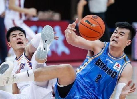 杜锋和杨鸣笑了!竞争对手新赛季表现尴尬 这状况如何争冠