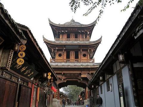 四川南充有座古城,曾经是四川省会,是中国风水好的地方