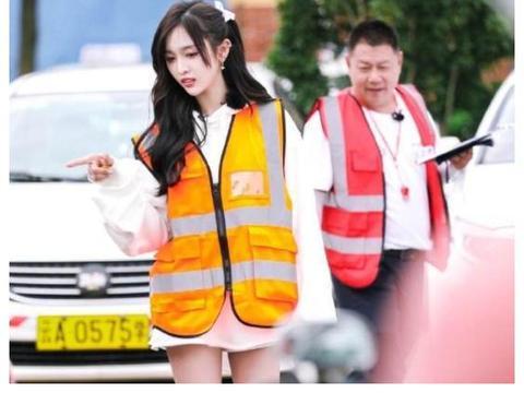 《新手驾到》不舍收官,吴宣仪帅气执勤,全新综艺凭啥赢得眼球?