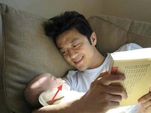 李亚鹏王菲的女儿李嫣,当年患有唇腭裂的那个女婴,现在怎样了?