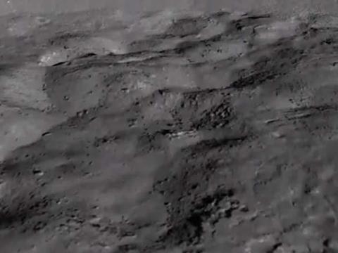 在月球背面发现坠毁的飞船,这件事是真的吗?