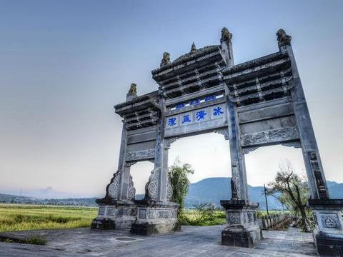 """云南一座百年古镇,被百座火山包围,号称""""中国第一魅力名镇"""""""