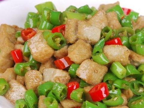 青椒和它一起炒,每天一盘,血管通了,小肚子不鼓了,皮肤更细腻