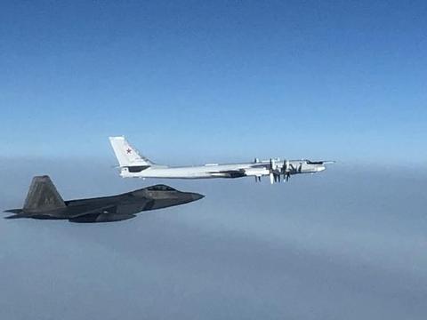 F22A拦截图95画面曝光 这次没有龙勃透镜,俄飞行员戳破白宫牛皮