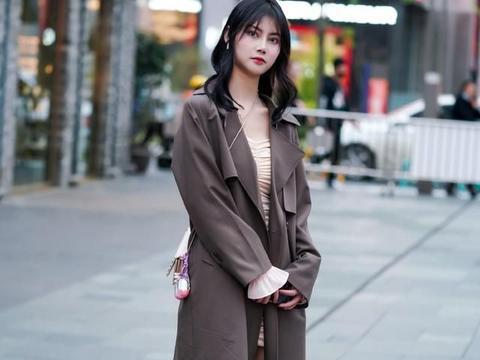 一件质地高级的大衣,带来温暖也带来轻盈,给你面对冬天的底气