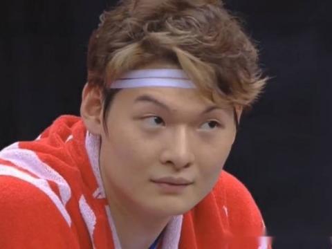 福建天价吓跑上海,开赛0胜2负,王哲林要稳坐空砍群主?