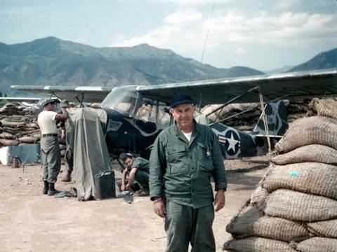 老照片 朝鲜战场上的美国空军侦察机 给志愿军造成不小麻烦