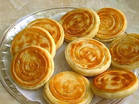 懒人版早餐饼做法,不醒面不发面,金黄暄软层次多,孩子吃得香