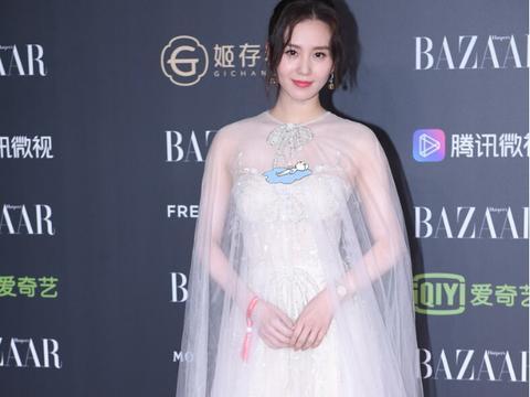 """刘诗诗太适合""""纯洁白""""了,穿卫衣都这么高级,优雅气质好迷人"""