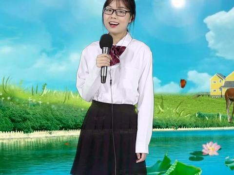 小妹一首温岚的《夏天的风》,甜美的声音,携带着夏天的风,好听