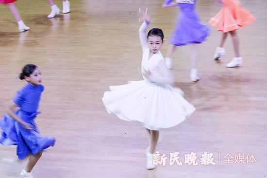 舞动全城 上海市第三届市民运动会体育舞蹈总决赛开幕