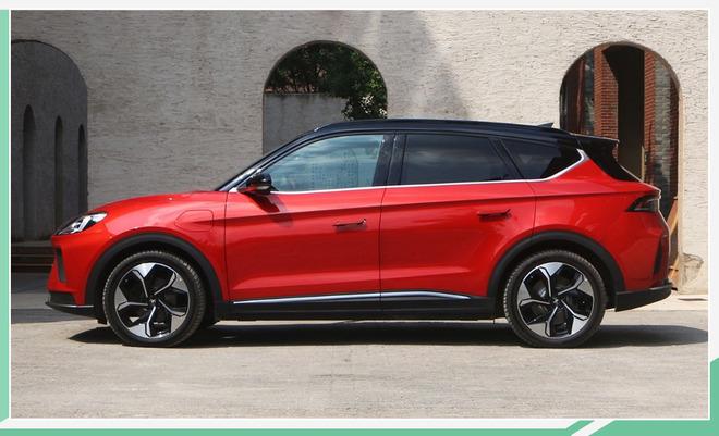 ARCFOX αT正式上市 推5款车型/售24.19万元起