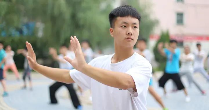 洪均生:练习太极拳如何发劲?