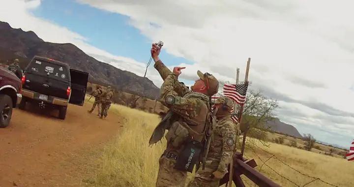 不受政府指挥,美国民间武装的武器有些堪比军队,幸好都很爱国