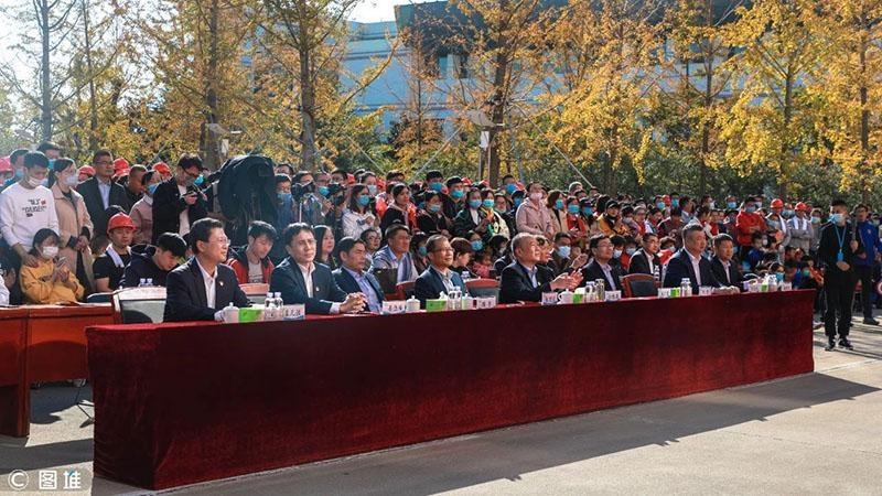 新时代药业庆祝鲁南制药建厂52周年第十二届厂歌大赛举行
