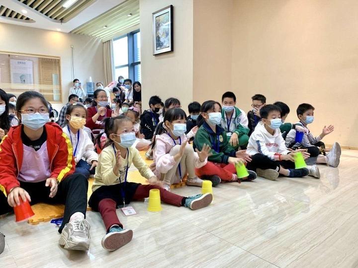 """50名来穗青少年体验""""心理+科技""""之旅"""
