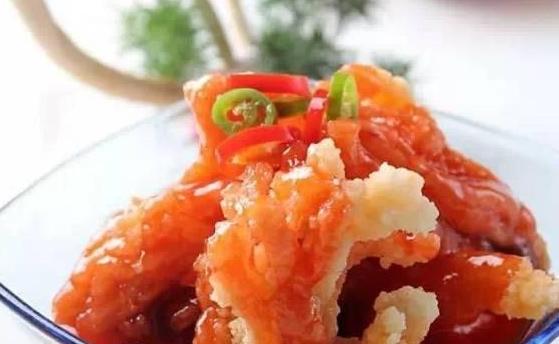 三鲜菌菇汤,春笋红烧肉,山楂烧肉,糖醋巴沙鱼