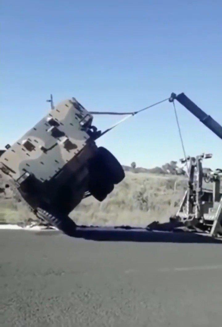 反应异常敏捷的吊车司机