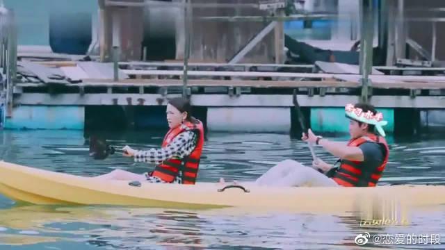 陈乔恩和曾伟昌游玩~ 她都会主动挽住他的手腕! 太甜了!!!