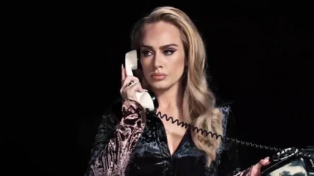 绝美 ! Adele 最新SNL 宣传动态写真来啦,这次没有戴口罩……
