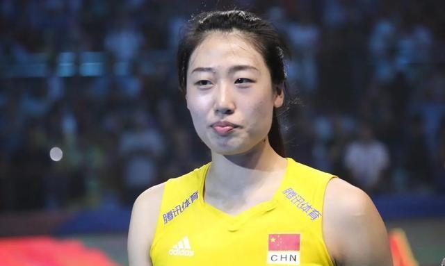 她是中国女排人气王!为了奥运会放弃上海而回家乡,和丁霞配合