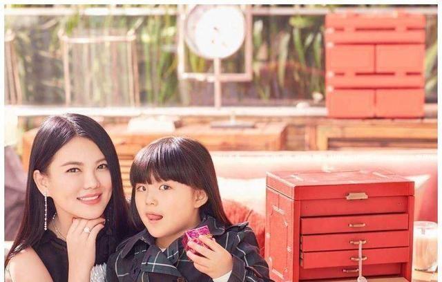 郭晶晶式育儿是贵族圈的一股清流,比起李湘和黄圣依更受网友推崇