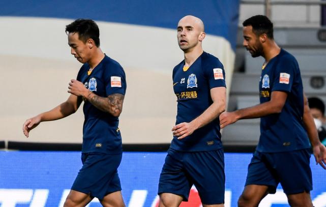 2-1!广州富力完胜升班马保级:阿德里安独造2球 日夫科维奇破门