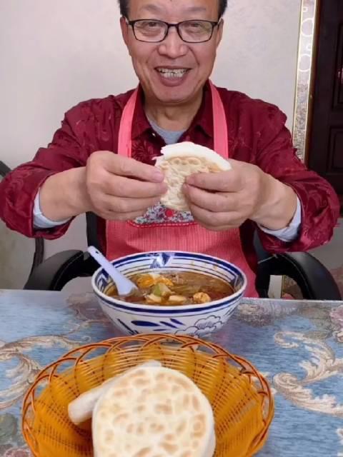 陕西小吃:肉丸胡辣汤