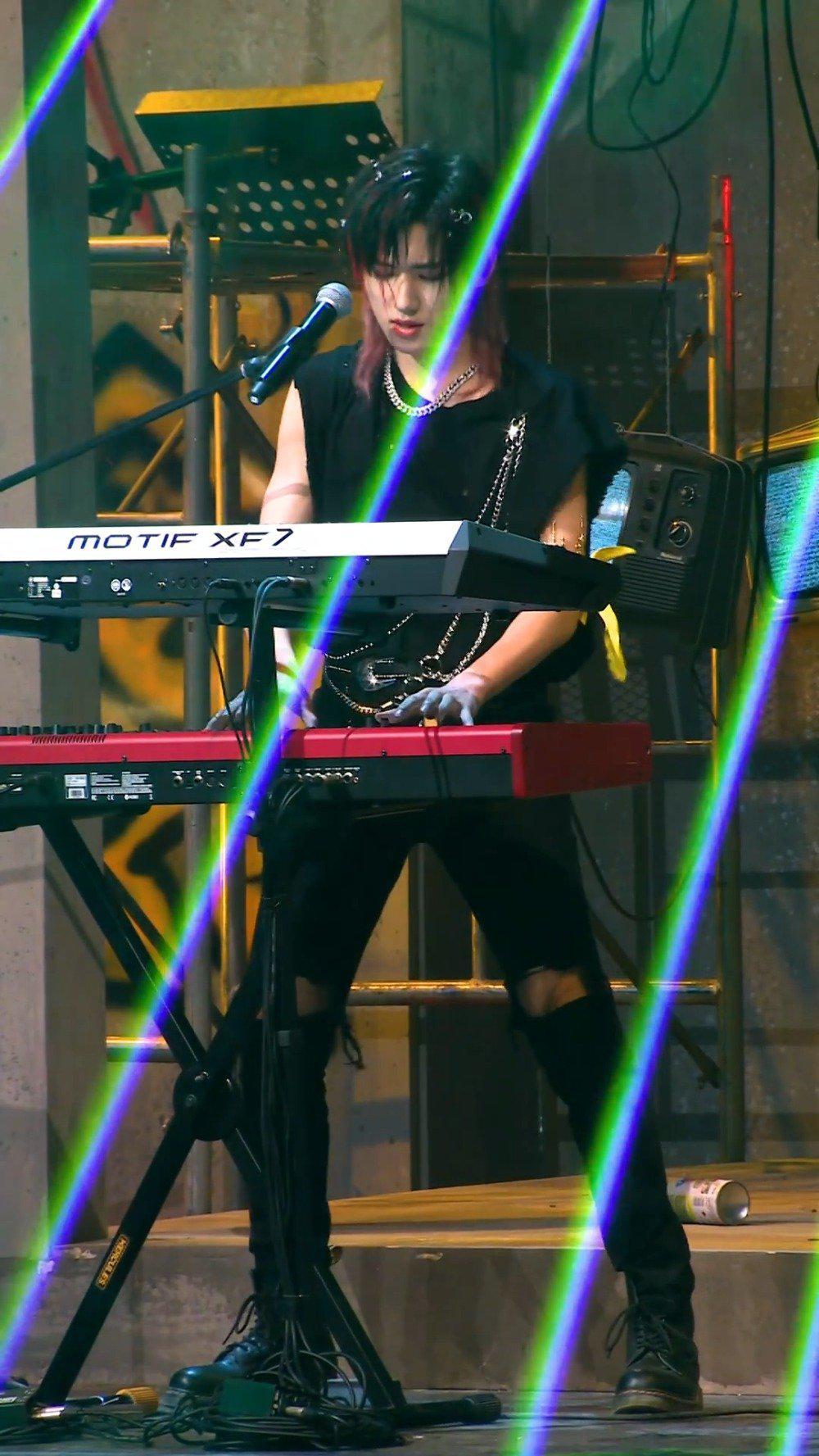 键盘手宋亚轩,琴键声声冲破框架束缚……