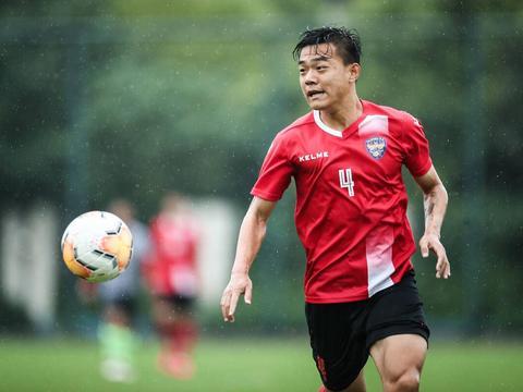 苏宁飞翼本赛季正式离队转会,如今在新东家爆发,再次斩获进球
