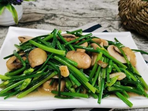 蹲厕所不爽,这菜要多吃,含丰富膳食纤维,清肠排便,炒菇吃最鲜