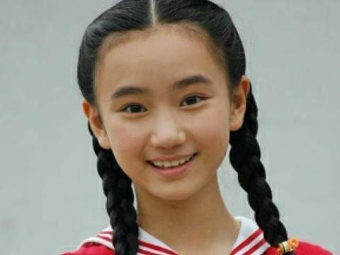童星中她是唯一一个考上清华大学的,不拍戏后,颜值比成绩还要高