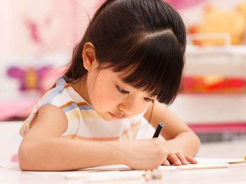 小时智力平平人木讷,15岁高分上清华:学霸父母的早期超常教育