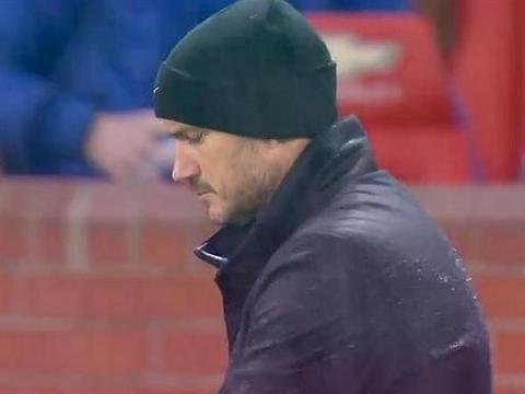 0-0,英超红蓝大战闷平,拉什福德错失单刀,门迪刷新16年纪录