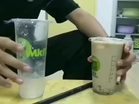 大杯和小杯的区别,奶茶店这么坑?这不是一样大吗?