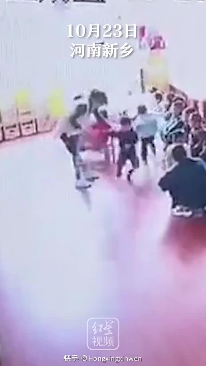 辉县一幼儿园多名教师打骂幼儿,教育局:3名教师开除……