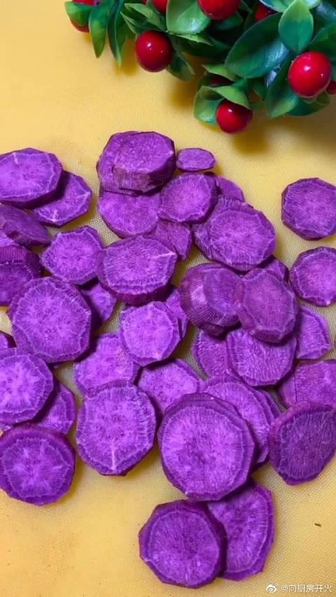 脆皮紫薯做法教程,再嘴挑的小孩也会被征服,外酥里嫩非常好吃