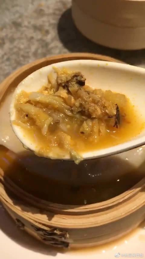 吸管吃汤包是没有灵魂的,嘬着吃才正道! @微博美食