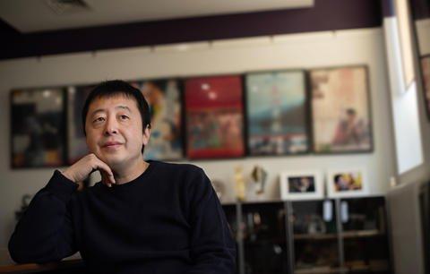抛弃结婚10年的前妻朱炯,贾樟柯为何娶了小8岁的赵涛?