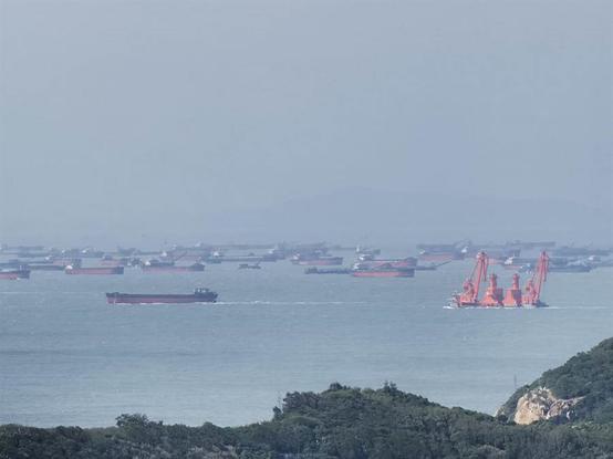 """""""台湾光复节"""",大陆出动船队""""围岛""""?图片"""