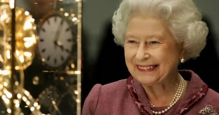 从夏令时到冬令时,女王的工作人员要给1000个钟表拨回一小时