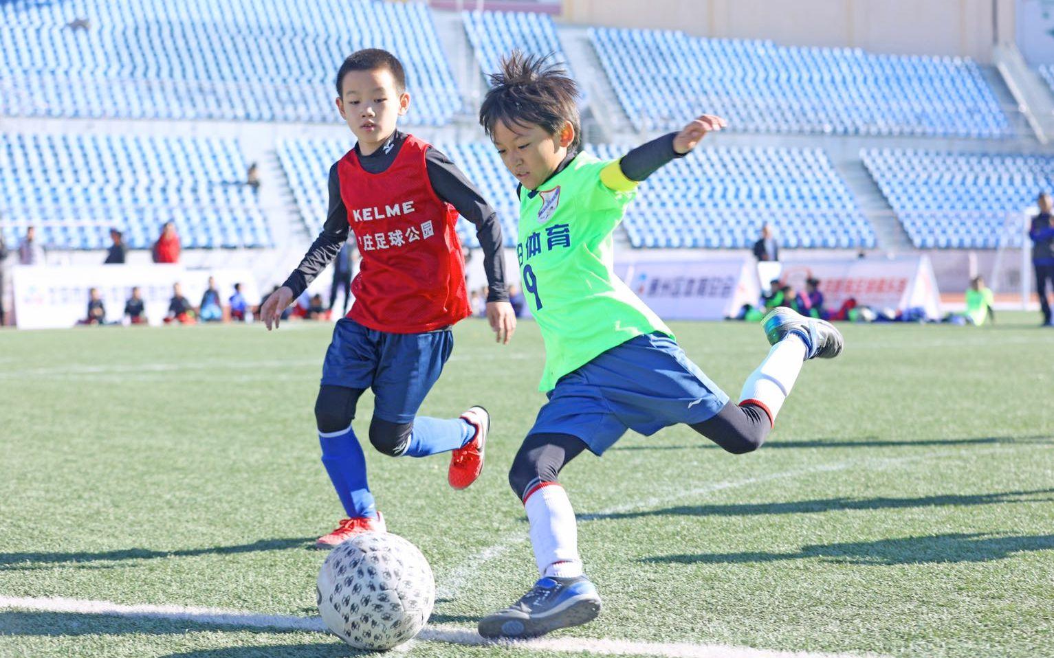 参赛的青少年球员行动很专业。图/北京市体育局