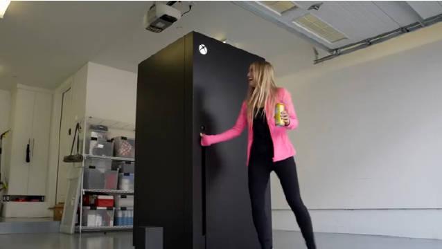 XSX自公布以来就被玩家吐槽像一台冰箱……