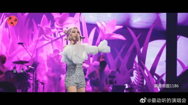 """劲爆!""""紫菜组合""""的邓紫棋和蔡依林, 演唱《说爱你》"""