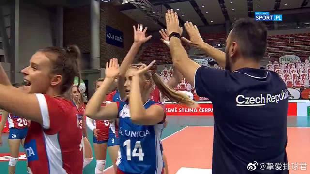 """观众""""爆满""""~国际复工复产第一战!波兰vs捷克友谊赛第一场HL"""