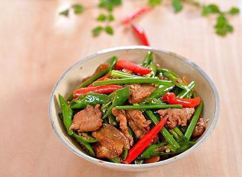 美食精选:农家小炒肉、肉片尖椒炒豆皮、腊肠炒荷兰豆、茨蒜小炒