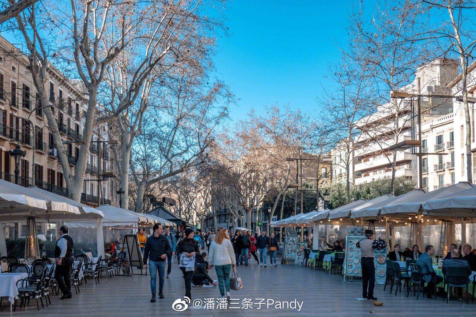 巴塞罗那最著名的「兰布拉大道」