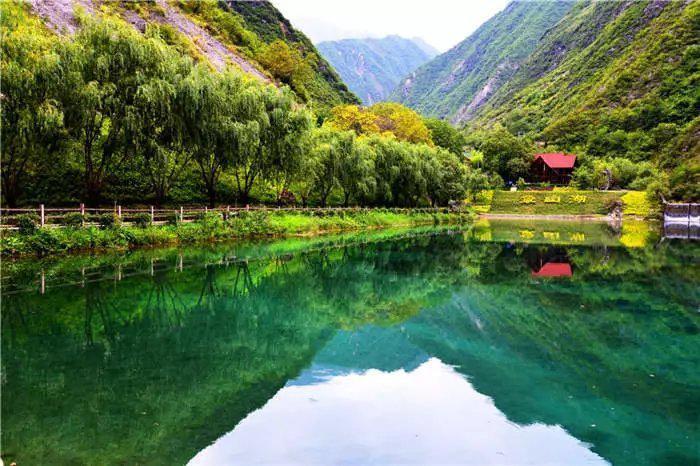 姚寨沟风景区 既有古羌 藏民族纯朴遗风 又有古羌族的遗址